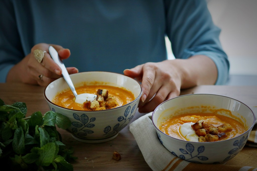 30-minute-carrot-orange-soup