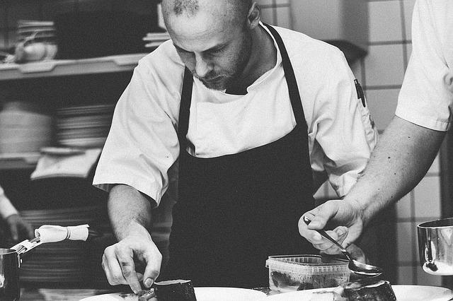 Drei Dinge, die Du Deinen jungen Angestellten in der Gastronomie bieten solltest