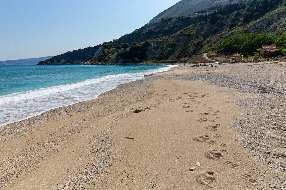 orme alla spiaggia di agia kiriaki a cefalonia