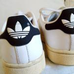chelf greek fashion blogger wearing adidas stan smith sneakers
