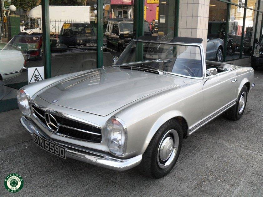 Photo 1966 Mercedes 230SL For Sale