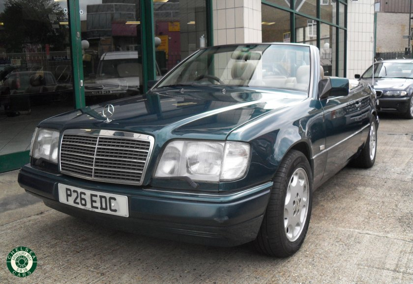 Photo 1996 Mercedes E220 Cabriolet For Sale