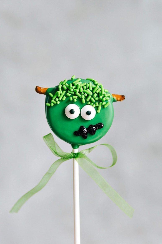 FRANKENSTEIN OREO POPS! Simple Oreo Pops decorated for Halloween -- Spider Oreo Pops, Skeleton Oreo Pops, Frankenstein Oreo Pops, and Monster Oreo Pops I chelseasmessyapron.com