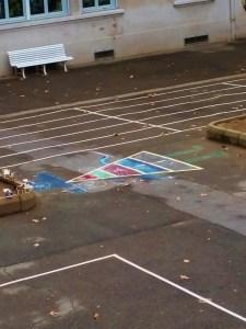 Street Art dans la cour par Lallie, Arthur et Brahim