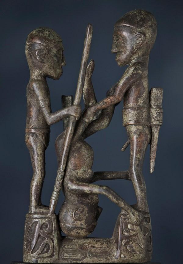 statue bronze toraja