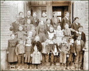 Tyler School class Christmas 1899 - Gift of Lois McKinley Merrill
