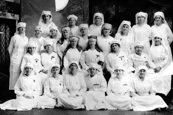 Red Cross Women