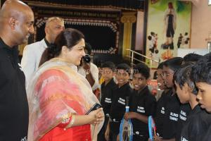 Popular actor Kushboo and Diwan of Arcot Asif Ali Blind tennis event in Chennai