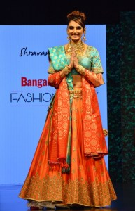 Rragini Dwivedi Walked the ramp for Shravan Kummar at Bangalore Times Fashion week in Bengaluru on 7th October 2017 at JW Marriott