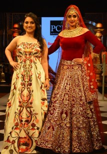 Sridevi walk the Ramp for PC Jeweller at Bangalore Times Fashion week in Bengaluru on 7th October 2017 at JW Marriott_7