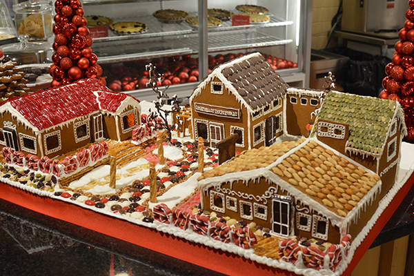 GingerBread-House-2015