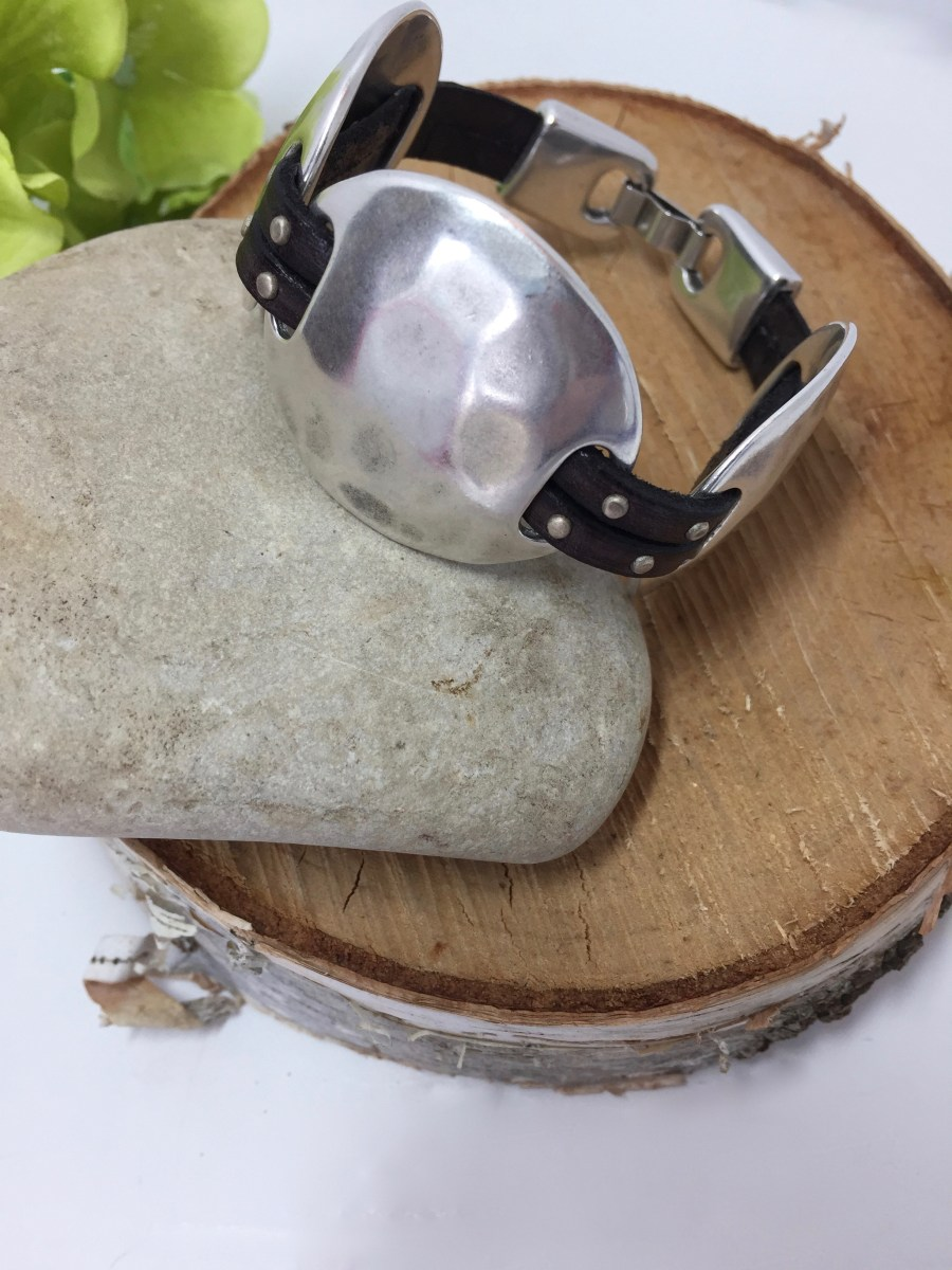 Western Style Hammered Silver Concho Multi-Studded Leather Bracelet