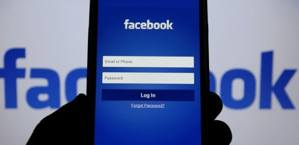 Facebook quizzed to dish on Russia-Trump collusion
