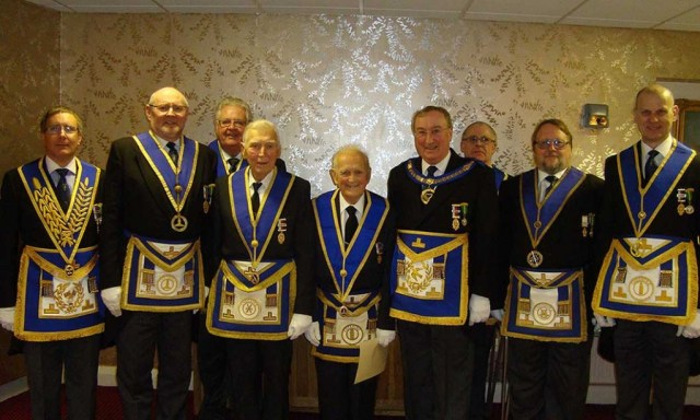 Grand-Lodge-Officers-support-the-evening