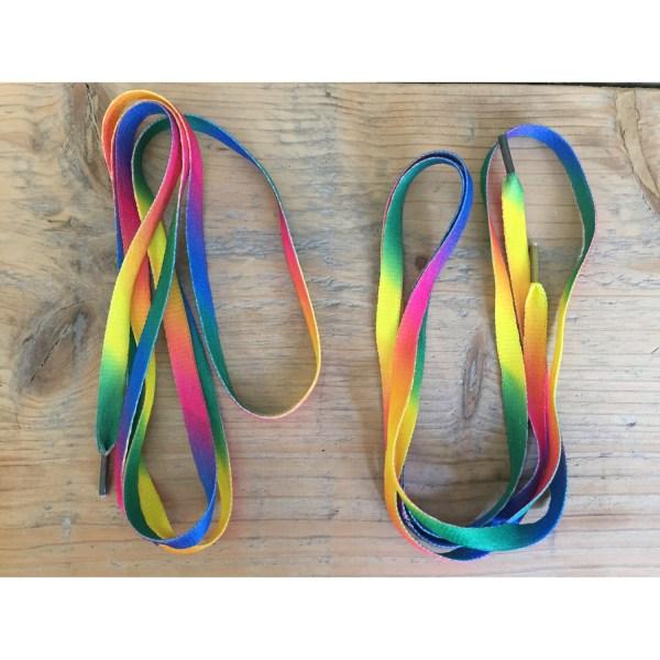 Solibad schoenveters - regenboog kleuren - 1.30m