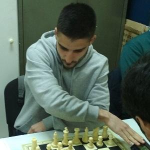 Carlos Álvarez Serrano vencedor en Villaverde
