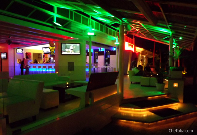 bares-tamarindo-noche