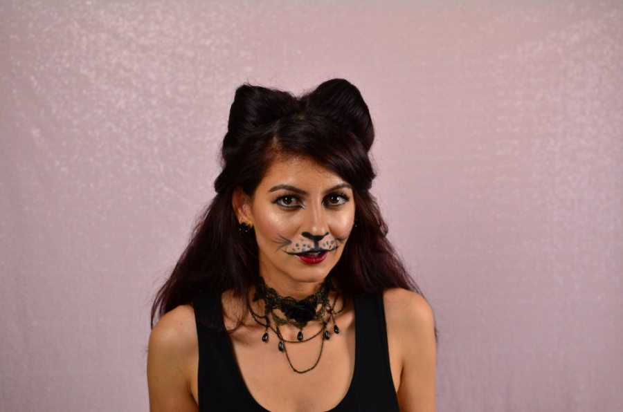Cat hairstyle for Halloween-How to make cat ears using your own hair
