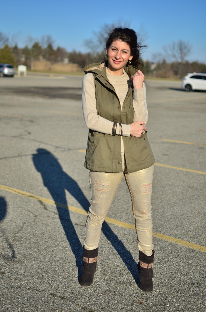 Olive green utility vest: how to wear/ style it in winter - Metallic gold pants