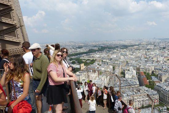 2e étage de la Tour Eiffel vers Montmartre