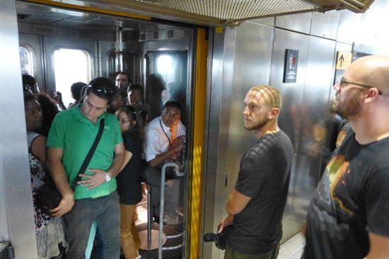 Ascenseur du 2e au 3e étage Tour Eiffel