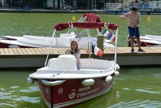 Location bateau électrique sans permis à Paris