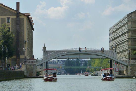 Promenade bateau sans permis Paris