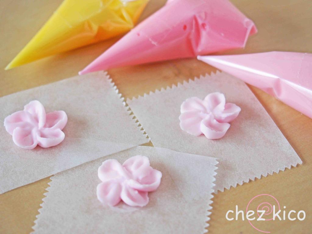 花のアイシングクッキー(桜の花びら)