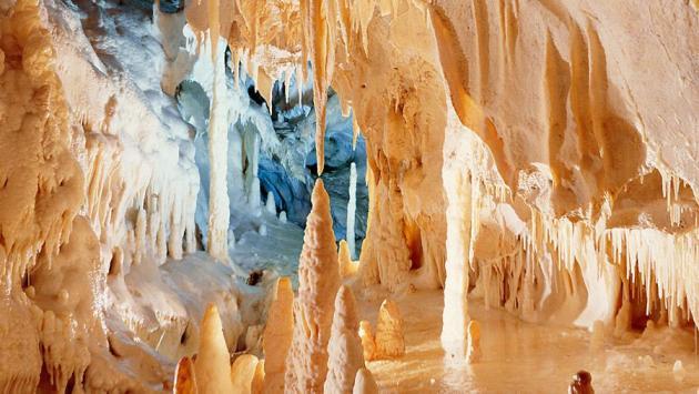 luoghi da visitare grotte frasassi 1