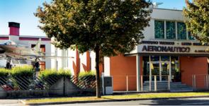 Istituto Aeronautico Antonio Locatelli, per chi ama volare