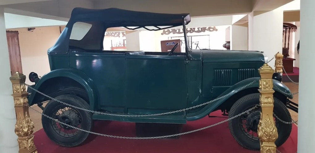 Old timer car in museum