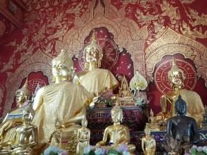 Gilded Buddha statues Wat Loi Kroh