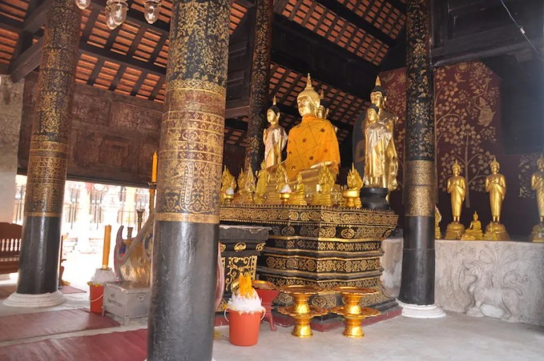 Buddha statues in temple Phra That Lampang Luang