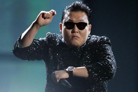 """Youtubes # 1 """"Gangnam Style"""" – Psy Comes to Thailand"""
