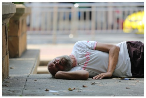 The issue of homelessness gained attention in Pattaya last year, when the government began to crack down on growing numbers of both local and foreign homeless there – Photo Stickman.com