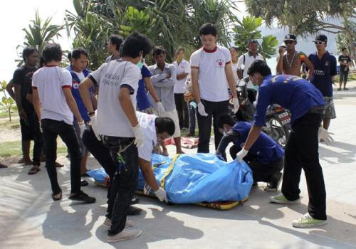 The body found on the beach in Lang Suan on Saturday appeared to be a Westerner wearing a diving suit and with an aqualung.