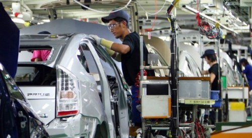 Mr Surapong Paisitpattanapong, vice president of the automotive industry, disclosed Wednesday that production projection for this year would be about 10.45 percent lower than last year or 257,000 units less.