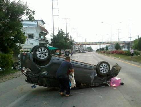 Three men were killed and six others injured when a car rammed into a group of cyclists in Chiang Mai this morning. (Photo by Cheewin Sattha) Please credit and share this article with others using this link:http://www.bangkokpost.com/news/general/549963/car-slams-into-chiang-mai-club-cyclists-killing-three. View our policies at http://goo.gl/9HgTd and http://goo.gl/ou6Ip. © Post Publishing PCL. All rights reserved.
