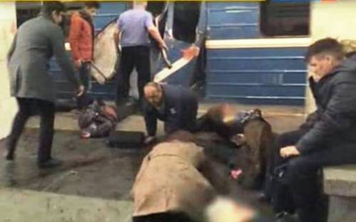10 Dead, 50 Injured after Two Explosions Rock Russian Subway Stations