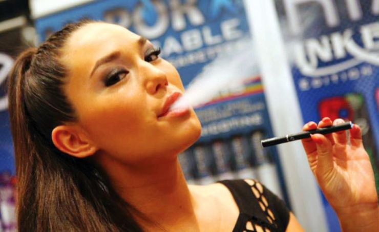 Thailand's Excise Department Warns Tourists About E-Cigarette Fines
