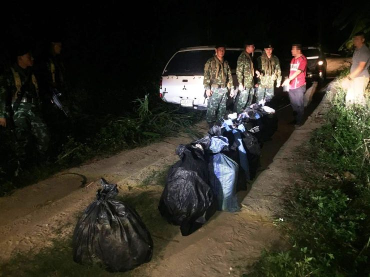 Soldiers, Police Seized 2.2 Million Meth Pills and 11 Kilos of Crystal Meth after High Speed Chase in Mae Chan District