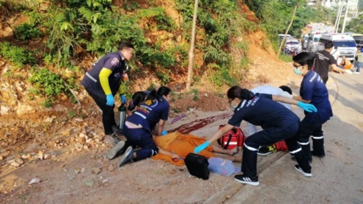 Thai Monk Killed, Four Novice Monks Injured in Tragic Songtaew Accident