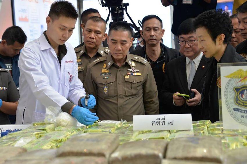 chiang mai, meth pills, Thailand