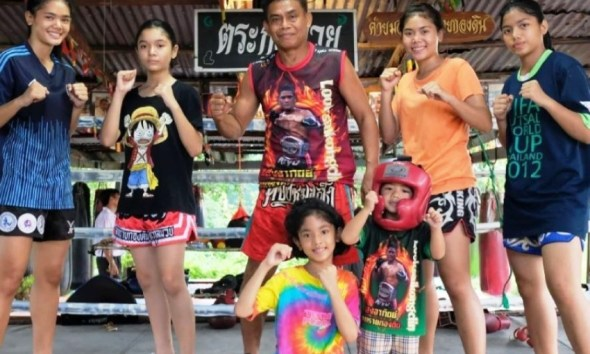 Muay Thai boxing, fighting, daughters, Thailand
