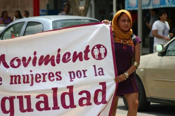 La periodista y activista, Patricia Chandomi durante la marcha en contra de los feminicidios. Foto. Ángeles Mariscal/Chiapas PARALELO