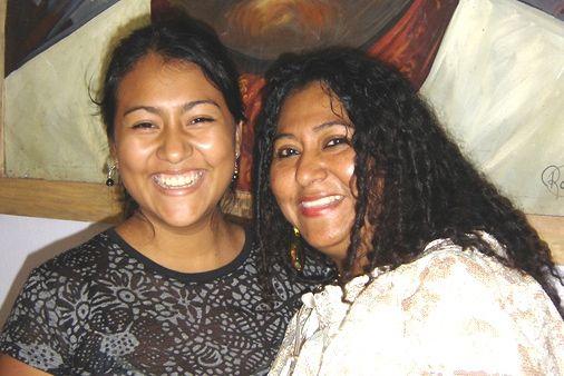 Adela y su hija Tania. Foto: Cortesía/Chiapas PARALELO