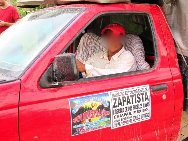Cooperativa de transporte del EZLN en la Selva. Foto: Ángeles-Mariscal/Chiapas Paralelo