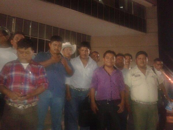 """Tras permanecer más de 24 horas detenidos, los indígenas de la selva fueron liberados """"con las reservas de ley"""". Foto: @alexrobledof"""