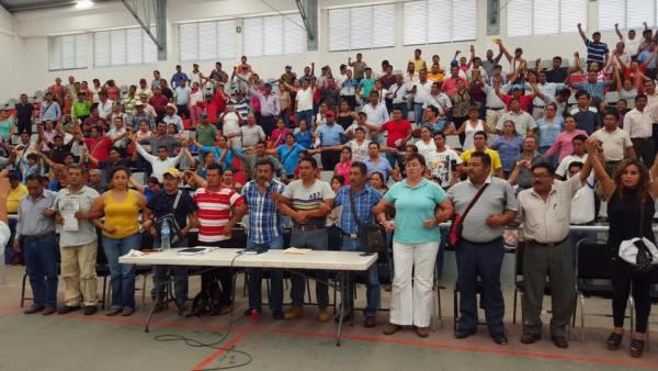 Asamblea de Padres de Familia y líderes del CNTE. Foto: Archivo/Chiapas Paralelo