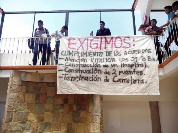 Protesta en la presidencia municipal
